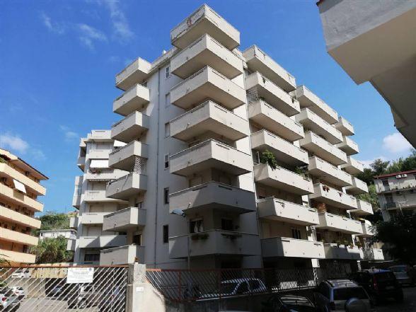 Quadrilocale in Via Manfroce, Centro, Reggio Calabria