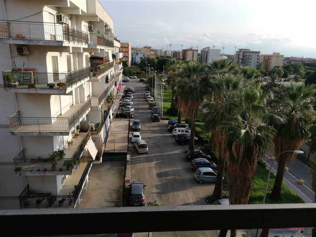 Appartamento in Via Cantaffio 28, Viale Calabria, Reggio Calabria