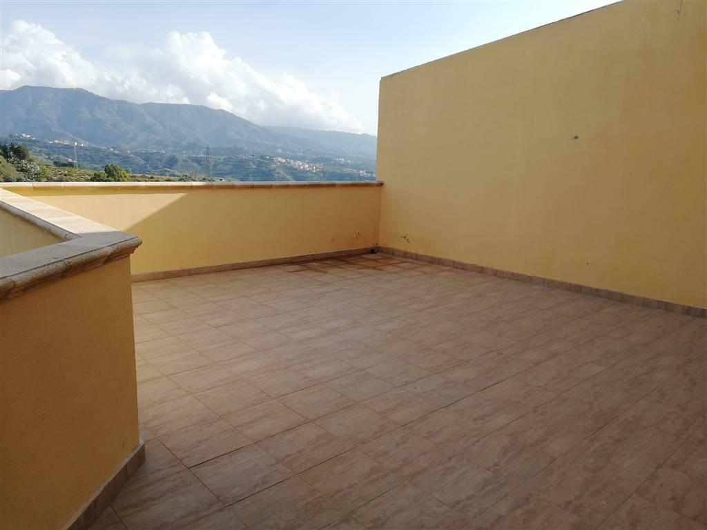 Appartamento in Via Reggio Campi Ii Tronco, Reggio Calabria