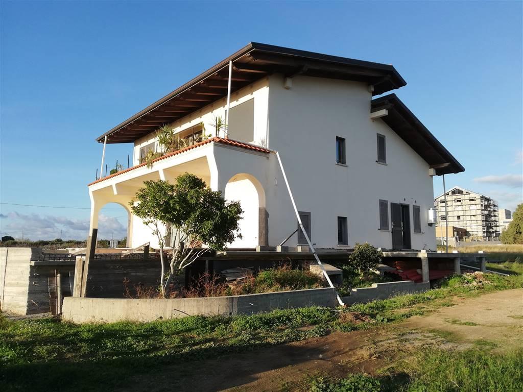 Villa in vendita a Reggio Calabria, 6 locali, zona Località: CATONA, prezzo € 550.000 | CambioCasa.it