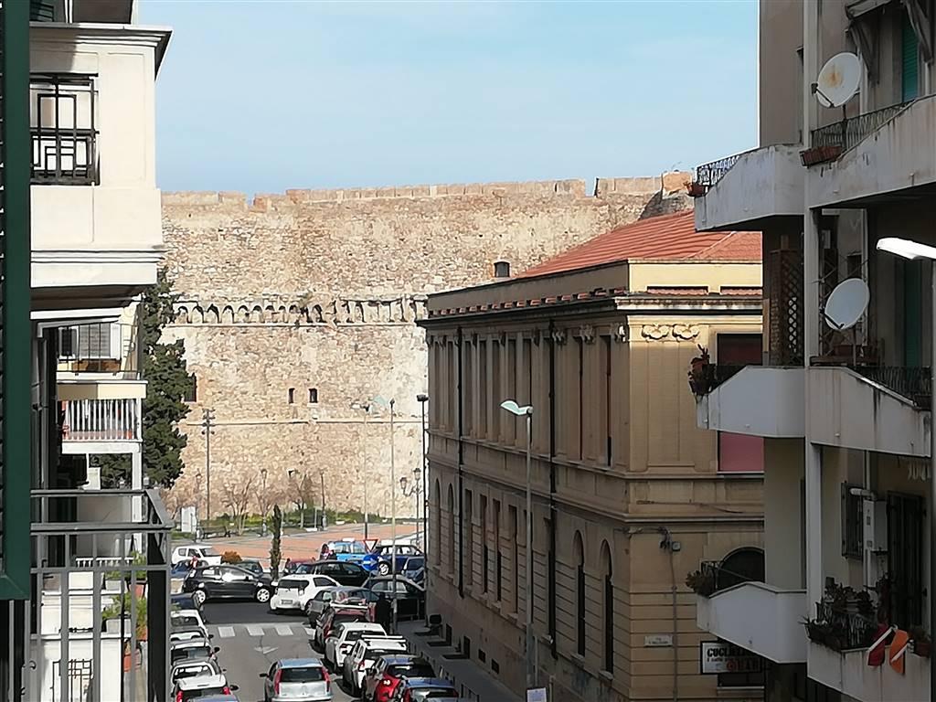 Appartamento in Via Acri, Centro, Reggio Calabria