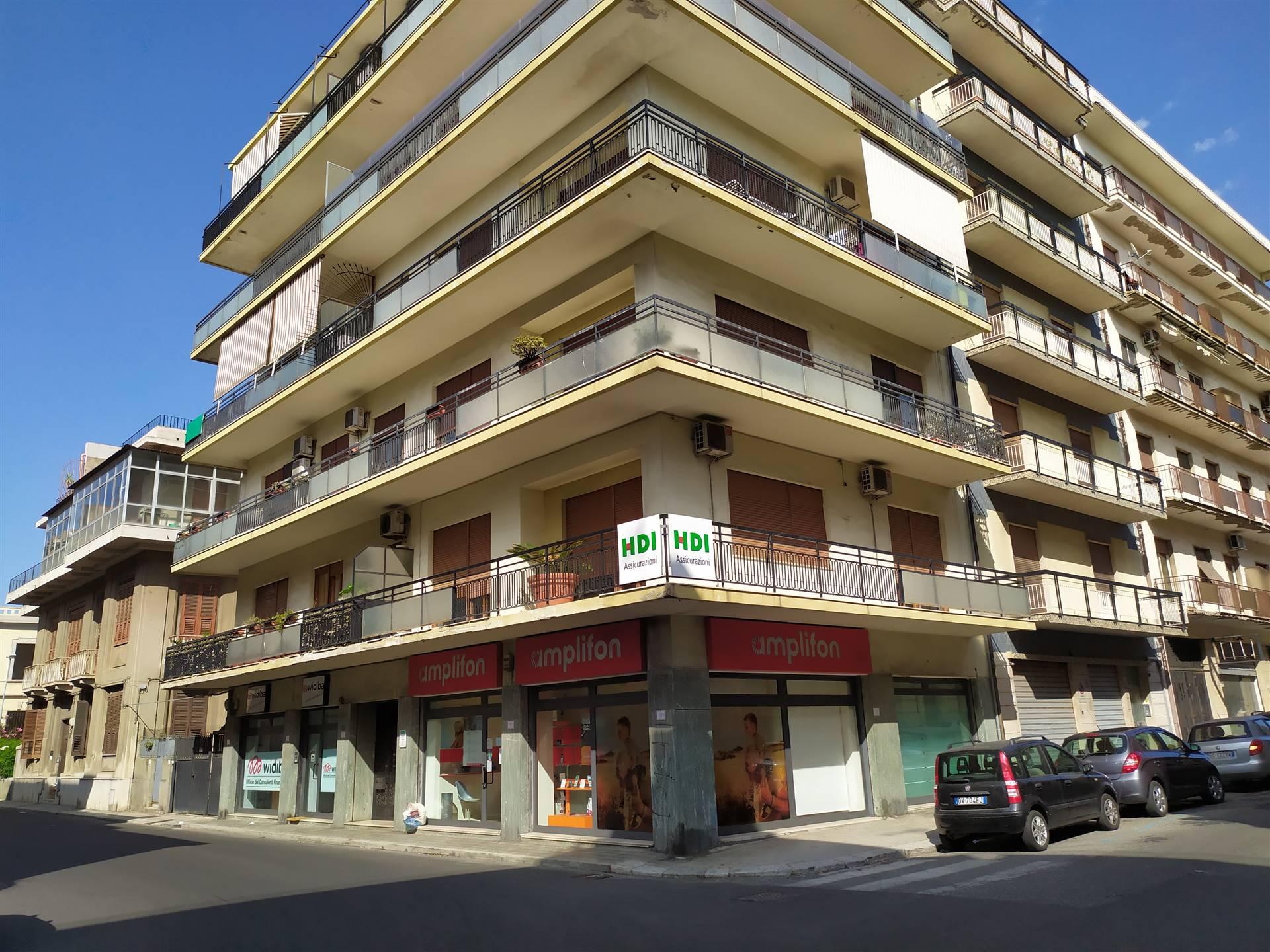 in affitto Trilocale, Via San Francesco da Paola 55 ...