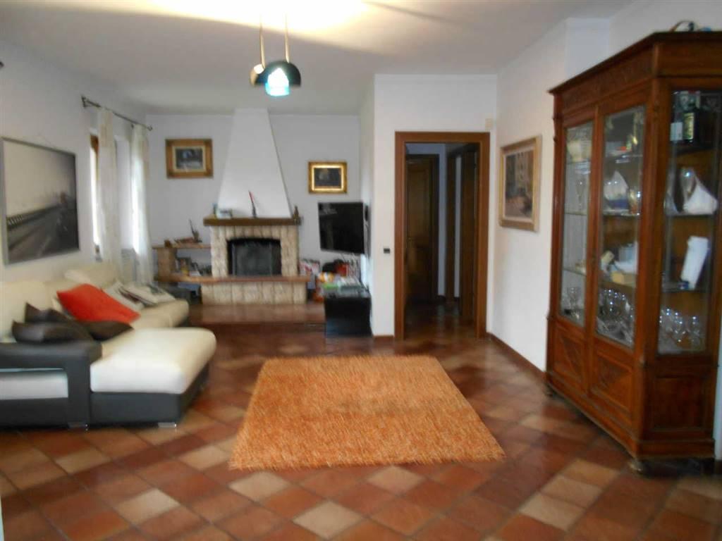 Villa a schiera, Montenero, Livorno, ristrutturata