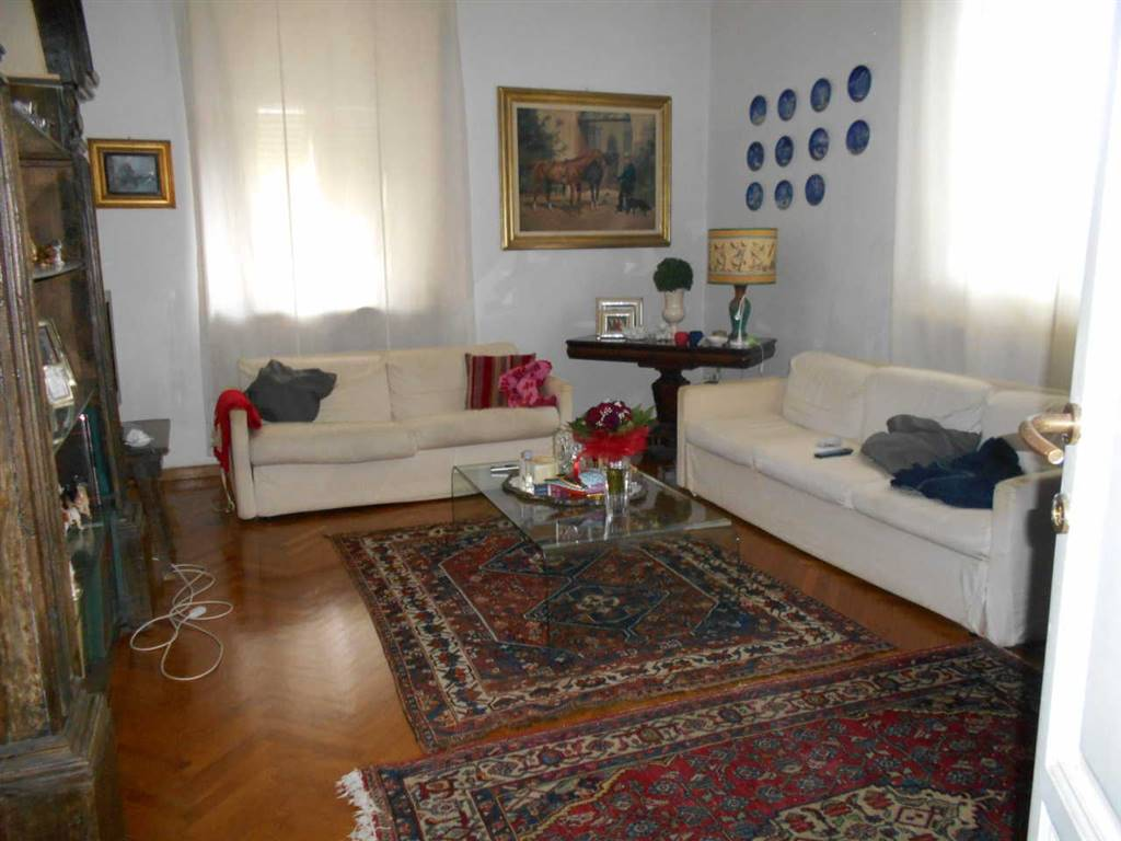 Villa, Antignano, Livorno, abitabile