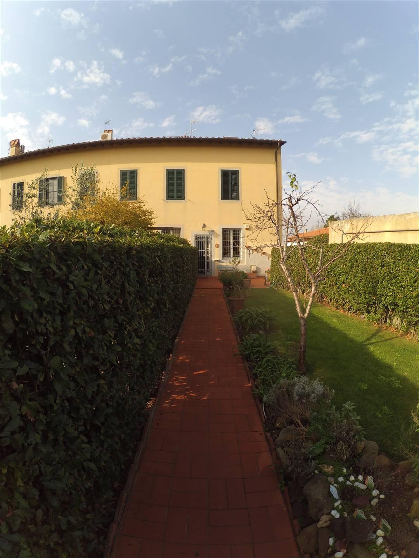 giardino dietro