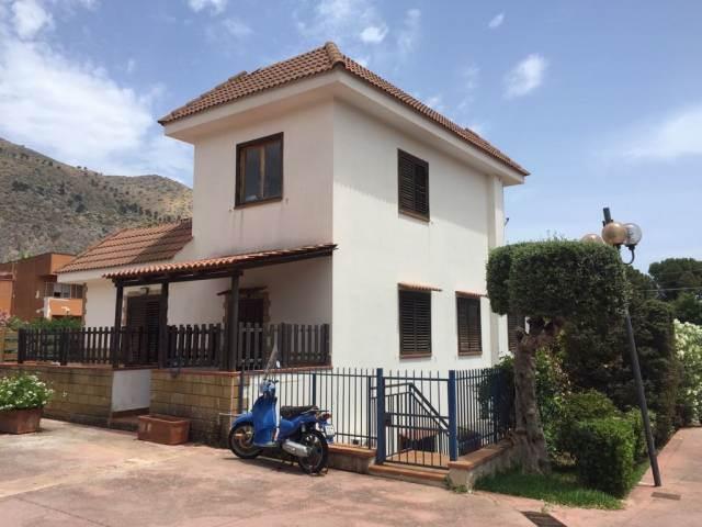 Prospetto principale villa