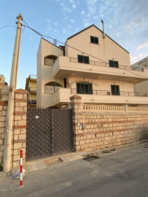 Appartamento in vendita a Balestrate, 6 locali, prezzo € 330.000 | PortaleAgenzieImmobiliari.it