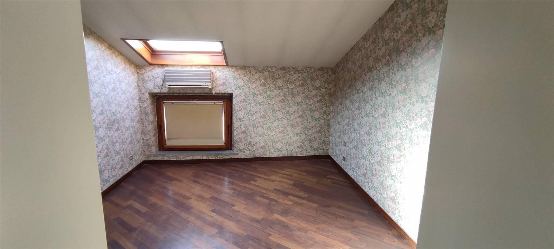 camera 2 sottotetto