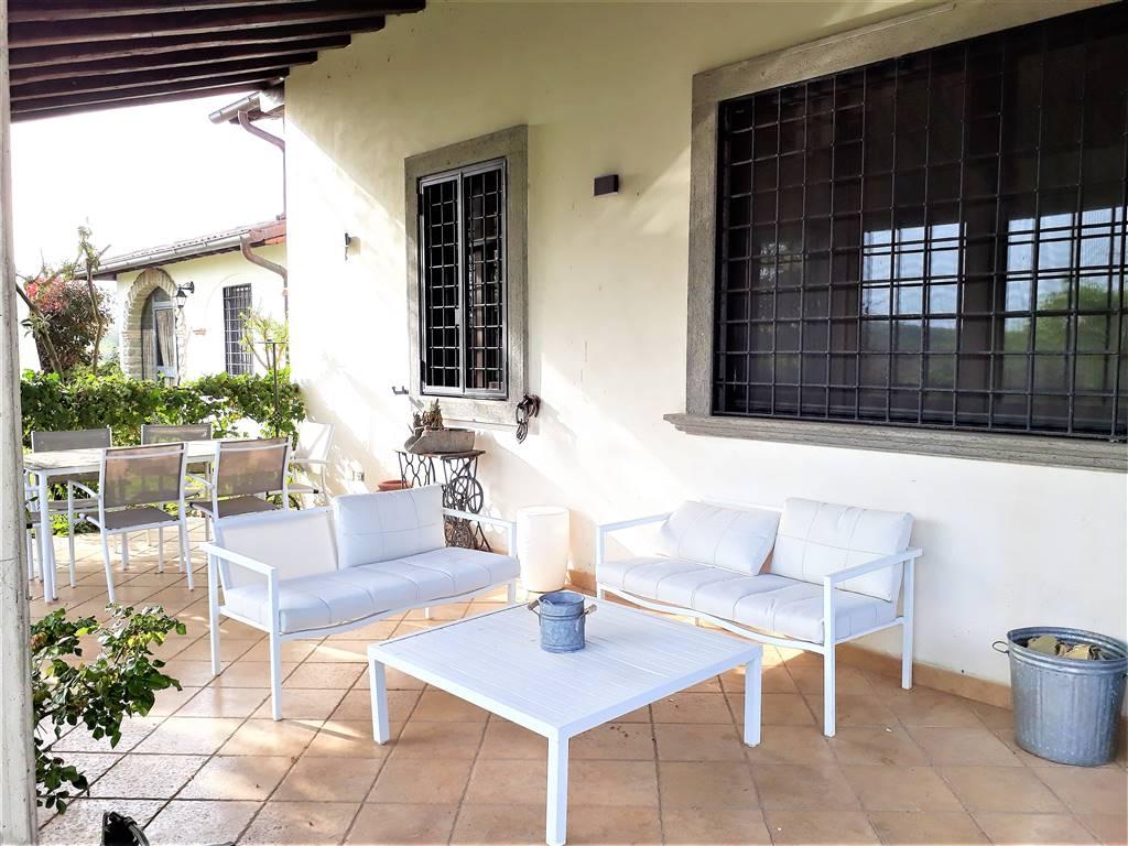 Villa in affitto a Tuscania, 8 locali, prezzo € 1.200 | CambioCasa.it