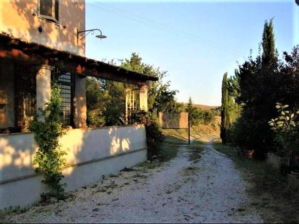 Terreno Agricolo in vendita a Tuscania, 7 locali, prezzo € 375.000 | CambioCasa.it