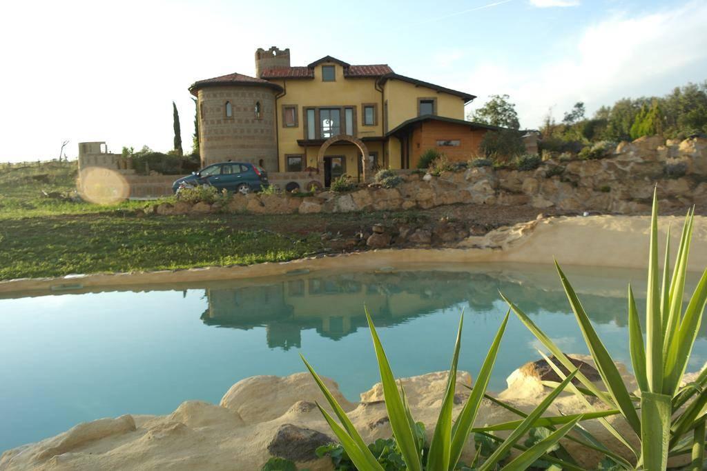 Agriturismo in vendita a Tuscania, 14 locali, prezzo € 560.000 | CambioCasa.it