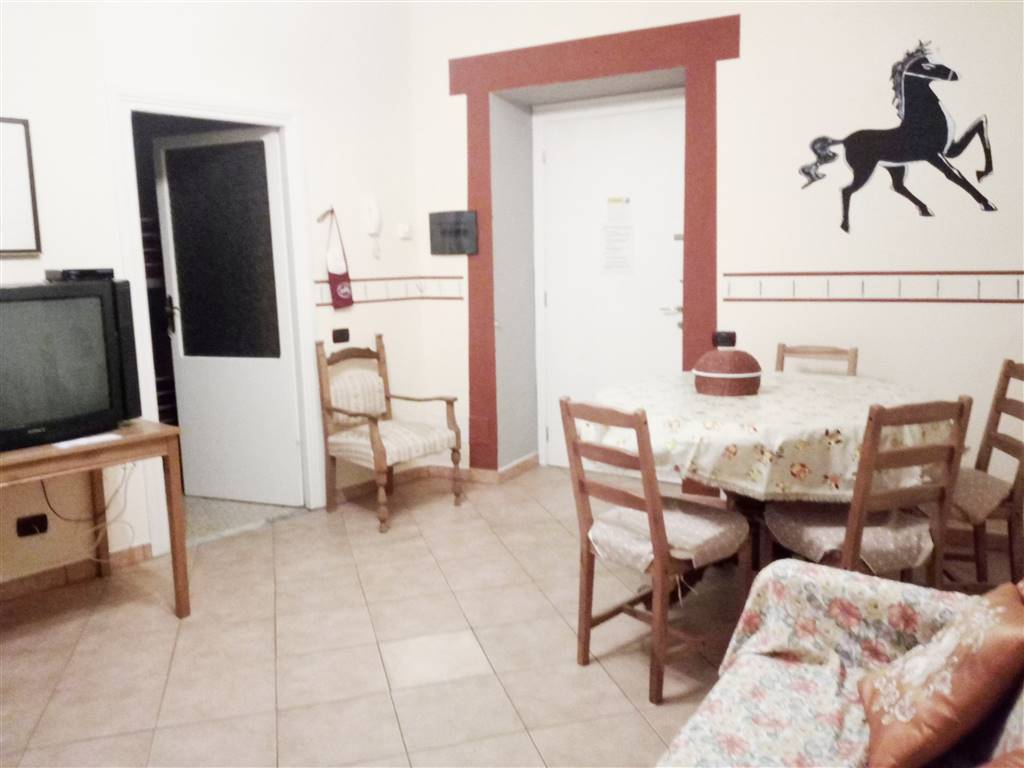 Appartamento in affitto a Tuscania, 5 locali, prezzo € 400 | CambioCasa.it