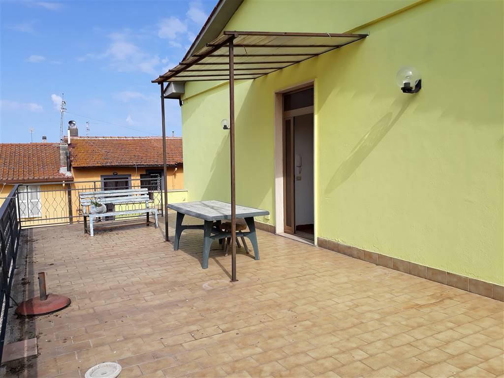 Appartamento in vendita a Tuscania, 7 locali, prezzo € 110.000   CambioCasa.it