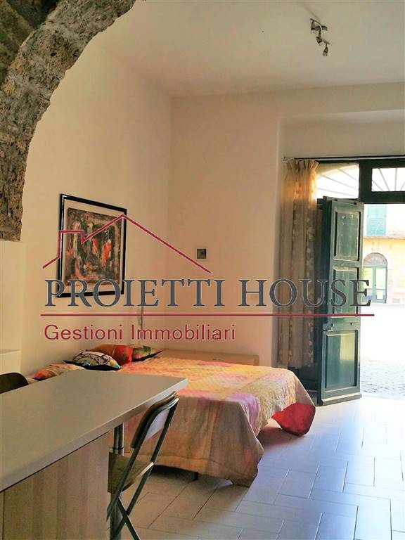 Soluzione Indipendente in affitto a Tuscania, 2 locali, prezzo € 270 | CambioCasa.it