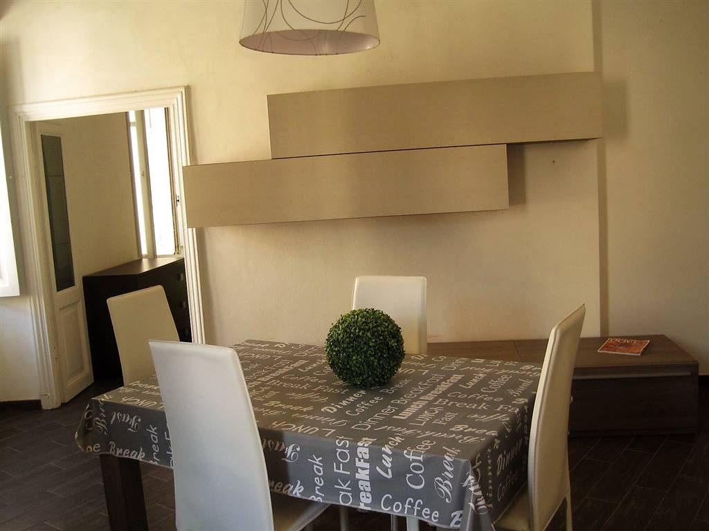 Soluzione Indipendente in vendita a Tuscania, 9 locali, prezzo € 170.000   CambioCasa.it