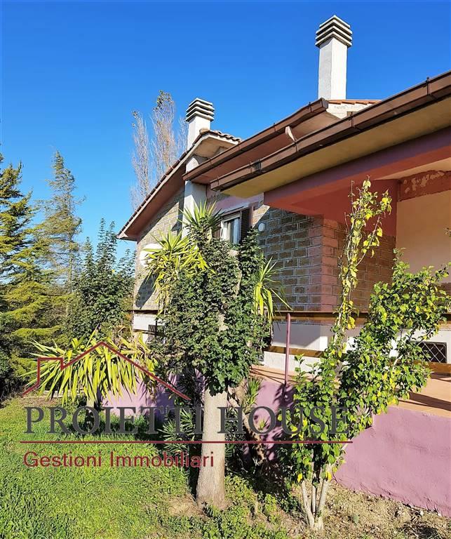 Rustico / Casale in affitto a Tuscania, 4 locali, prezzo € 400 | CambioCasa.it