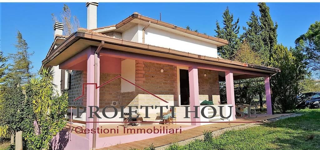 Rustico / Casale in affitto a Tuscania, 3 locali, prezzo € 300 | CambioCasa.it