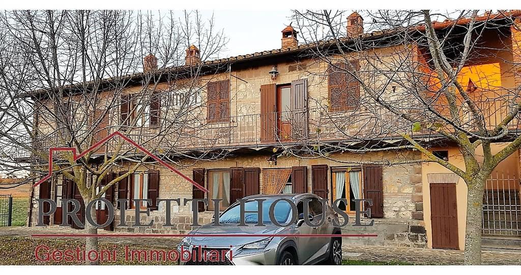 Rustico / Casale in affitto a Tuscania, 4 locali, prezzo € 450 | CambioCasa.it