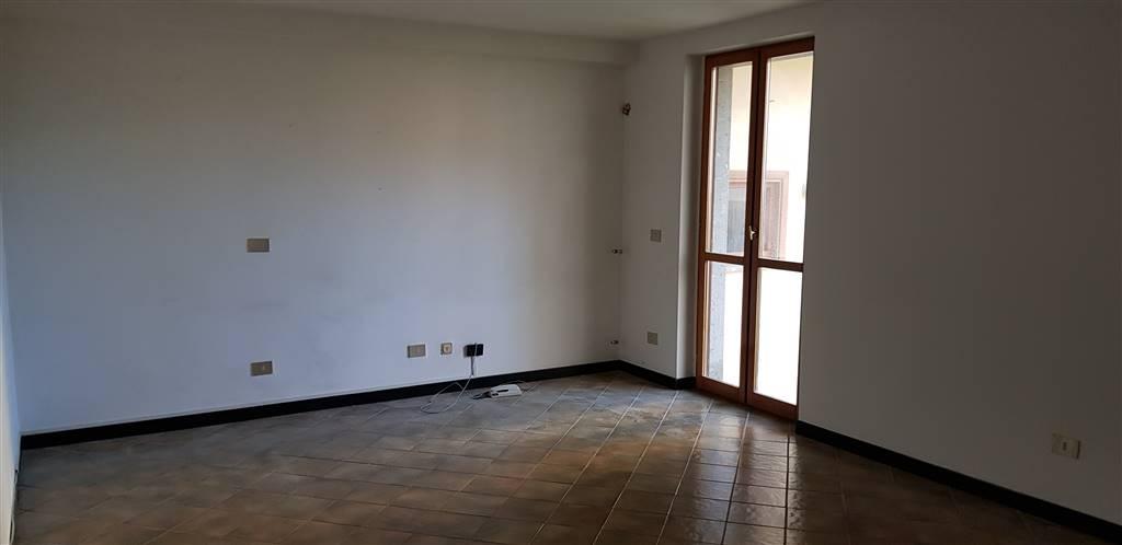 Ufficio / Studio in affitto a Tuscania, 2 locali, prezzo € 180   CambioCasa.it