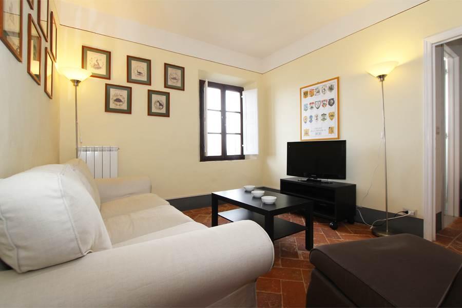 Splendido appartamento recentemente ristrutturato e curato in tutti i dettagli e particolari, si compone di soggiorno-pranzo con angolo cottura, due