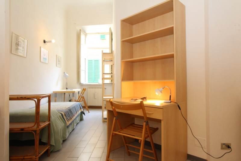 POSTO LETTO IN CAMERA DOPPIA CON BAGNO PRIVATO in confortevole appartamento per le esigenze degli studenti universitari, posto al primo piano di una