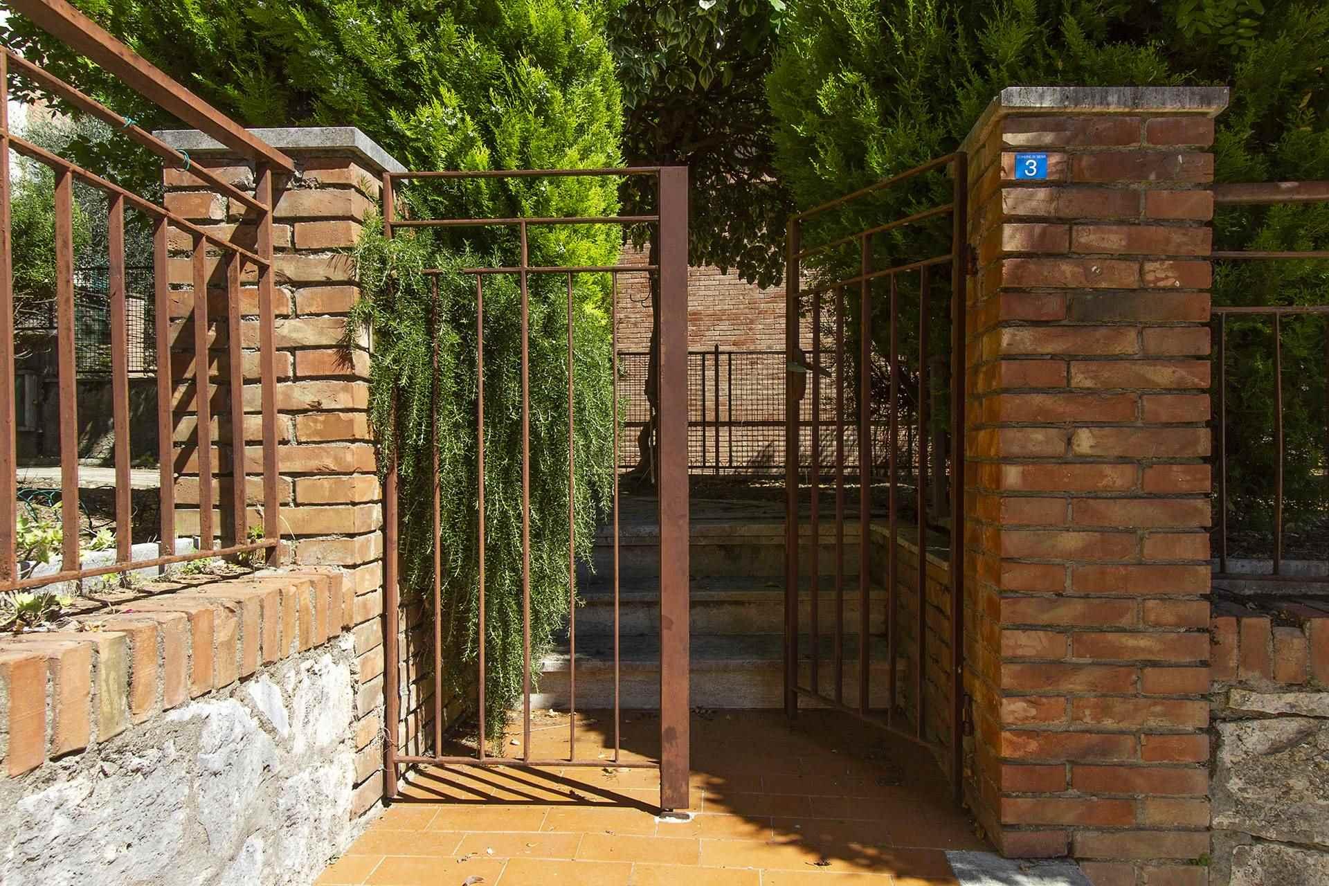 cancello su strada