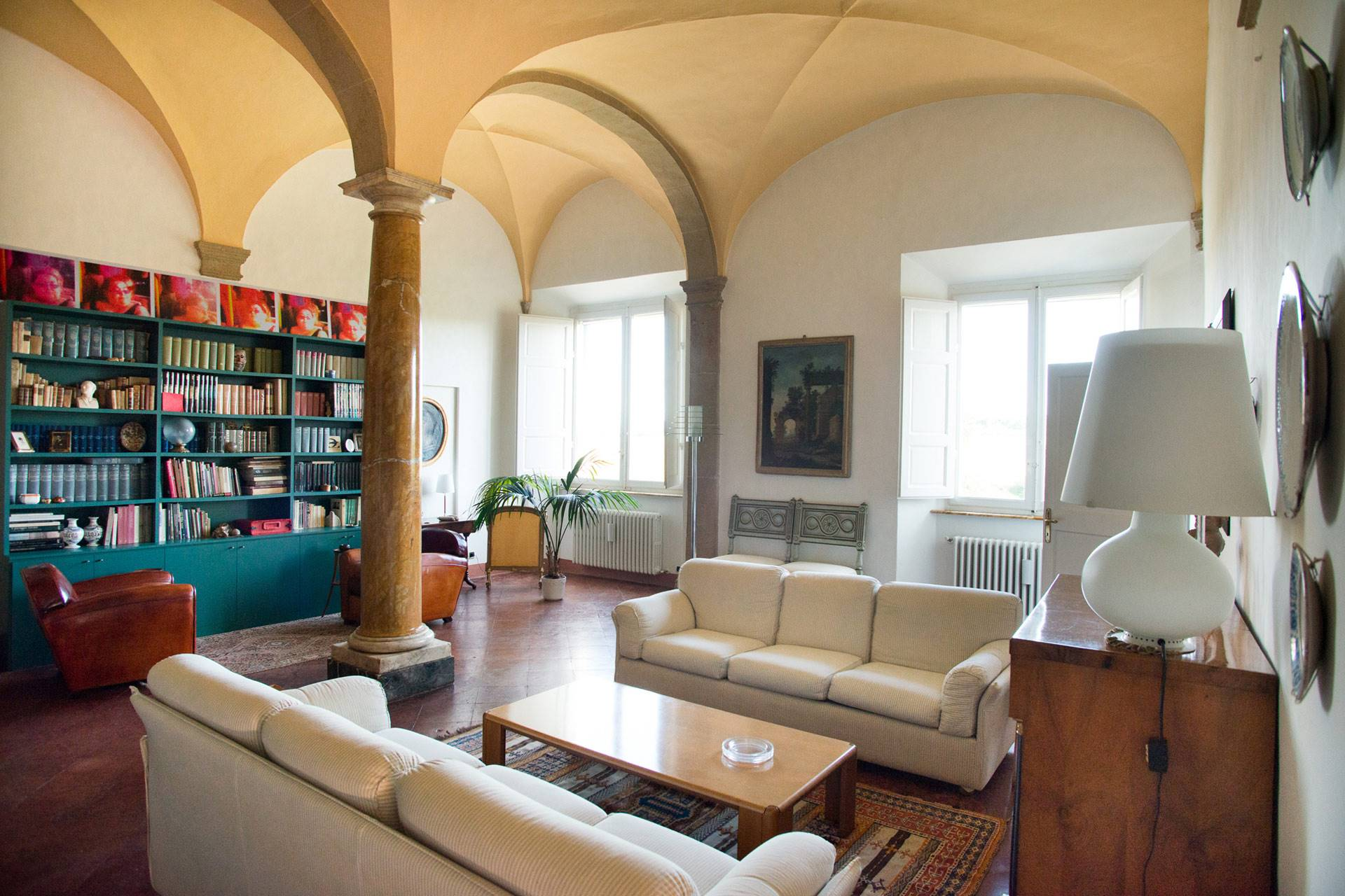 Appartamento signorile nel centro storico di Colle Val d'Elsa (Siena), all'interno di un palazzo mediceo del 1500, ristrutturato sotto la