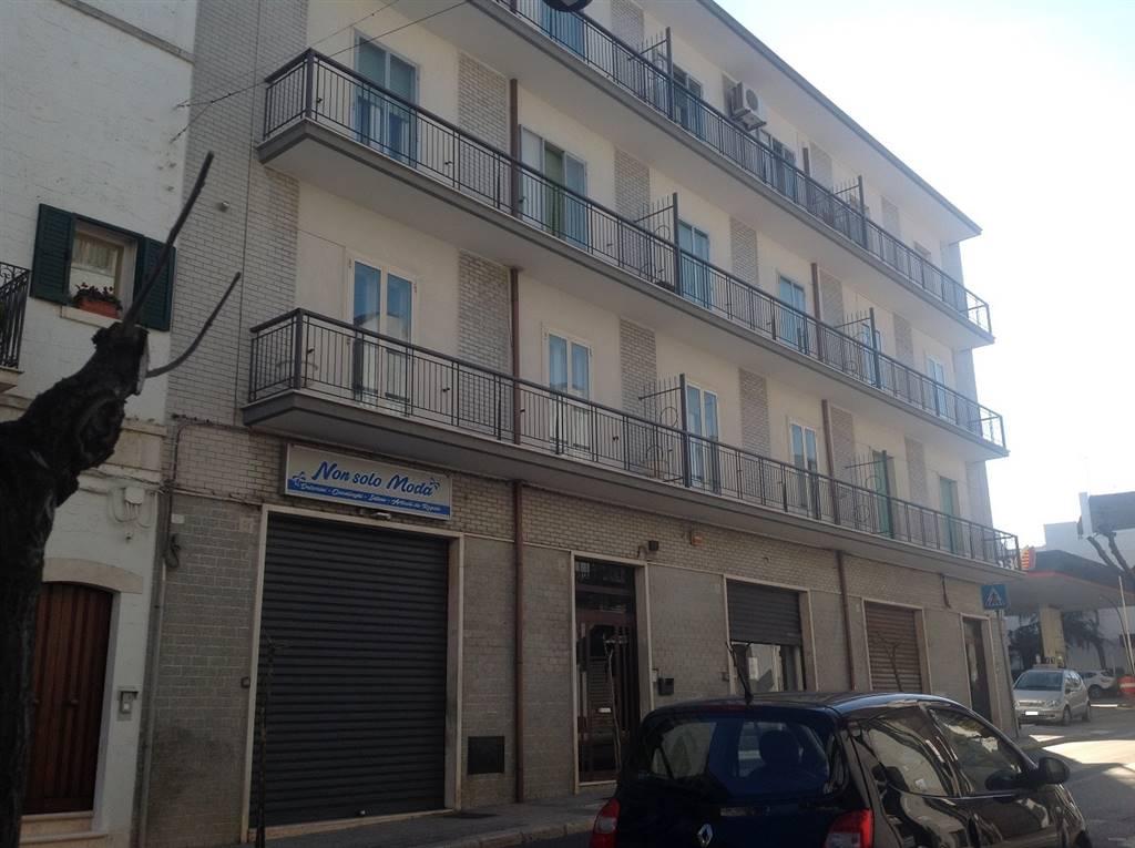 Appartamento in vendita a Alberobello, 4 locali, prezzo € 125.000   CambioCasa.it