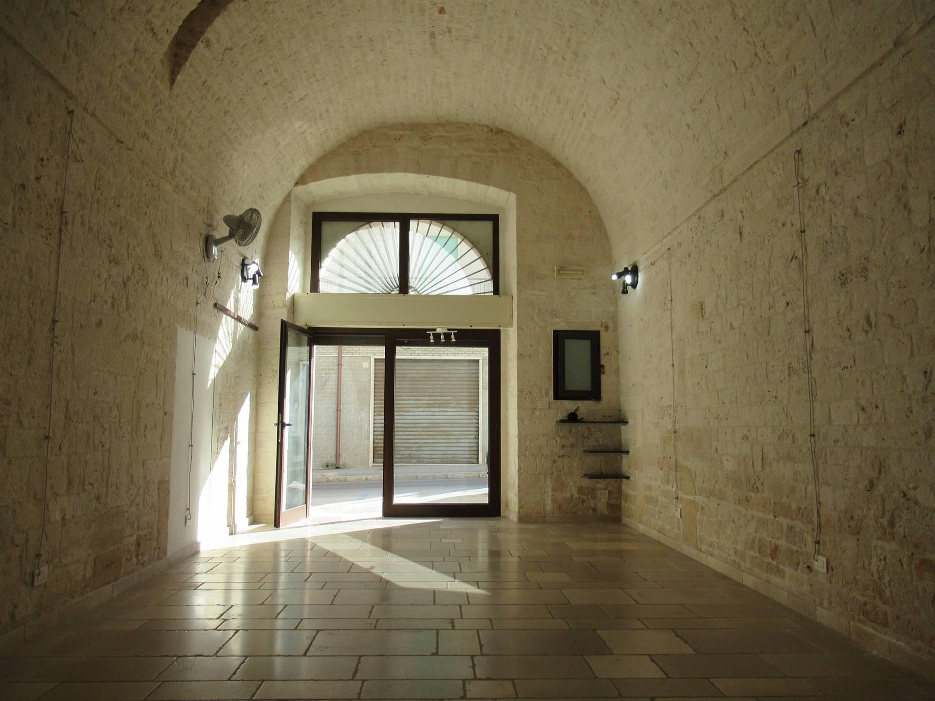 In Affitto Negozio / Locale a Alberobello