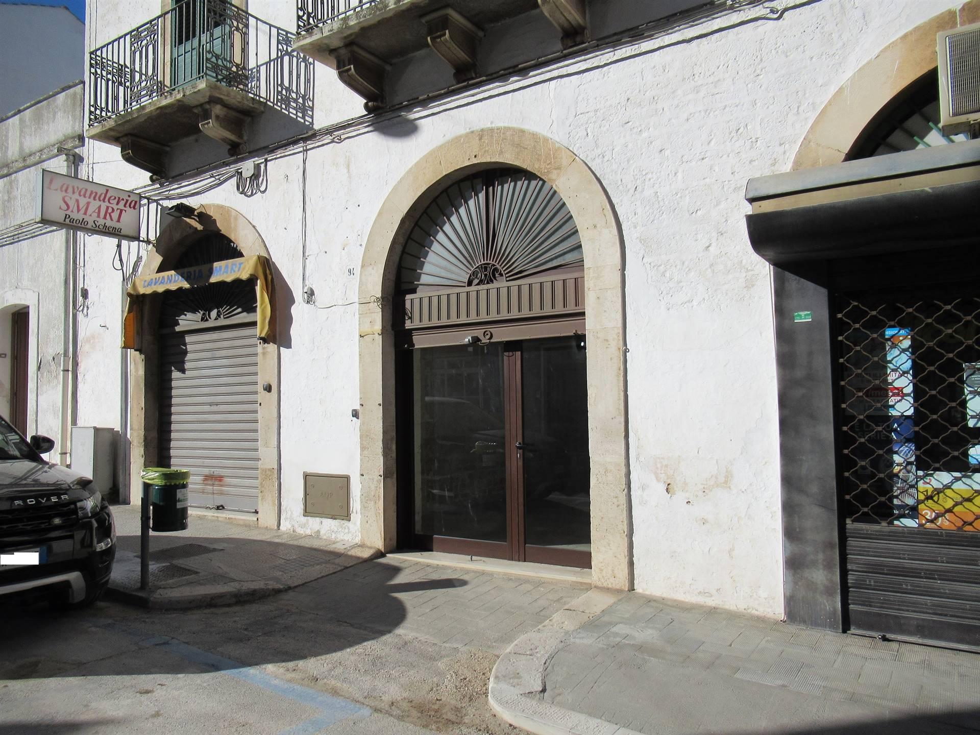 Negozio / Locale in affitto a Alberobello, 1 locali, prezzo € 500 | CambioCasa.it