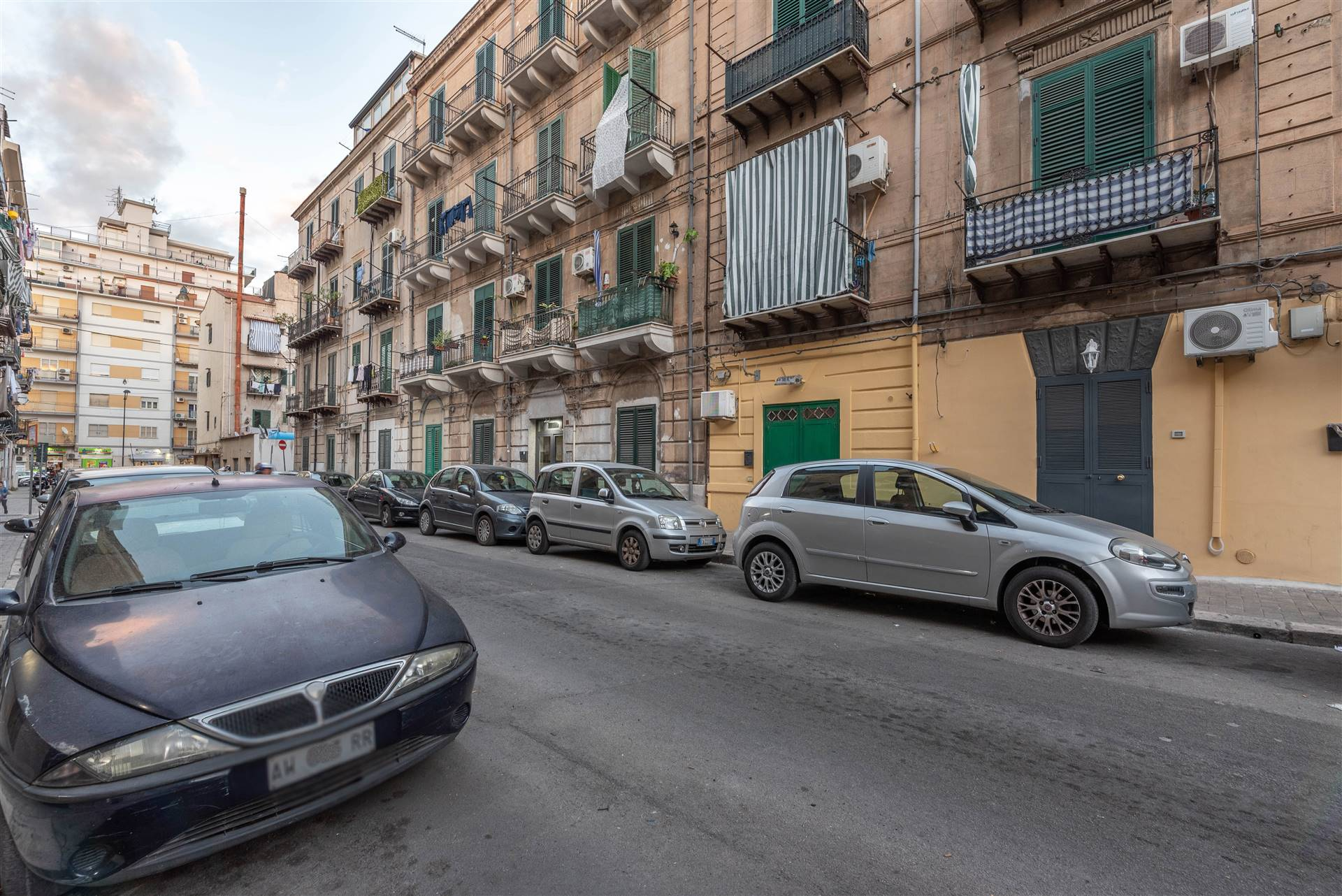 POLICLINICO, PALERMO, Apartment for sale of 26 Sq. mt., Be restored, Heating Non-existent, Energetic class: G, Epi: 175 kwh/m2 year, placed at Ground