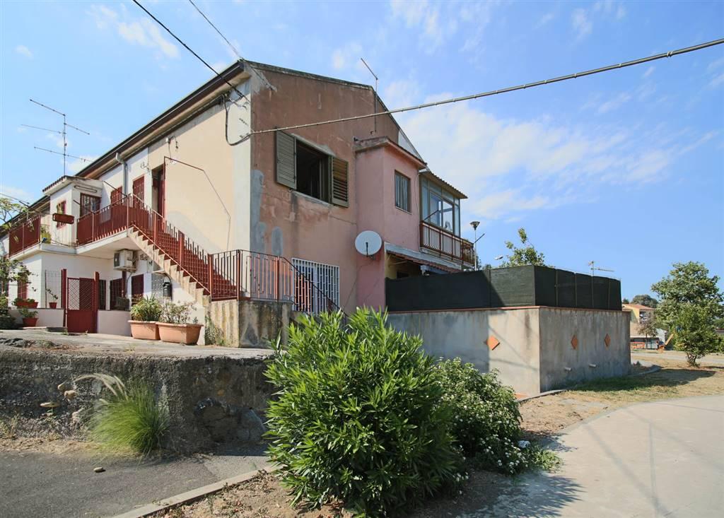 Trilocale in Via Colnago, Ognina , Cannizzaro, Catania