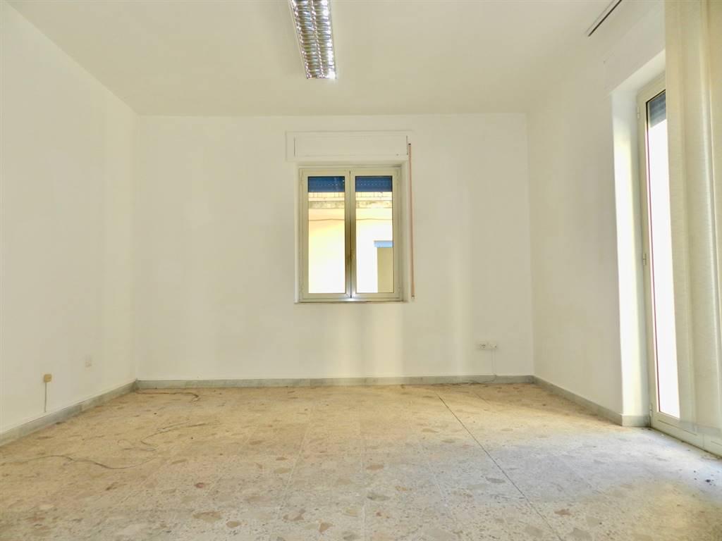 Appartamento in vendita a Acireale, 5 locali, prezzo € 110.000 | PortaleAgenzieImmobiliari.it