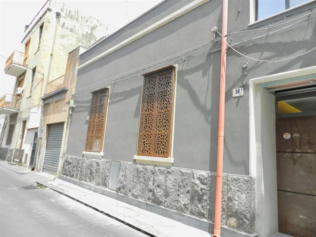 Appartamento in affitto a catania zona picanello rif 1525 for Appartamenti arredati in affitto a catania