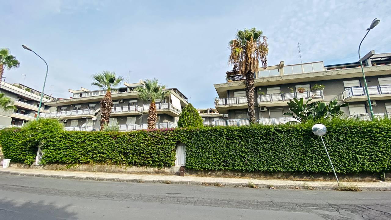 Appartamento in vendita a San Gregorio di Catania, 5 locali, zona Località: %CANALICCHIO%, prezzo € 212.000   CambioCasa.it