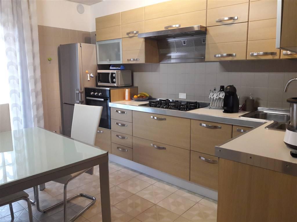 Rif. B72 SOTTOMARINA - Appartamento di 115 mq. + 35 mq. di soppalco con travi a vista, posto al piano quarto ed ultimo di una piccola palazzina di