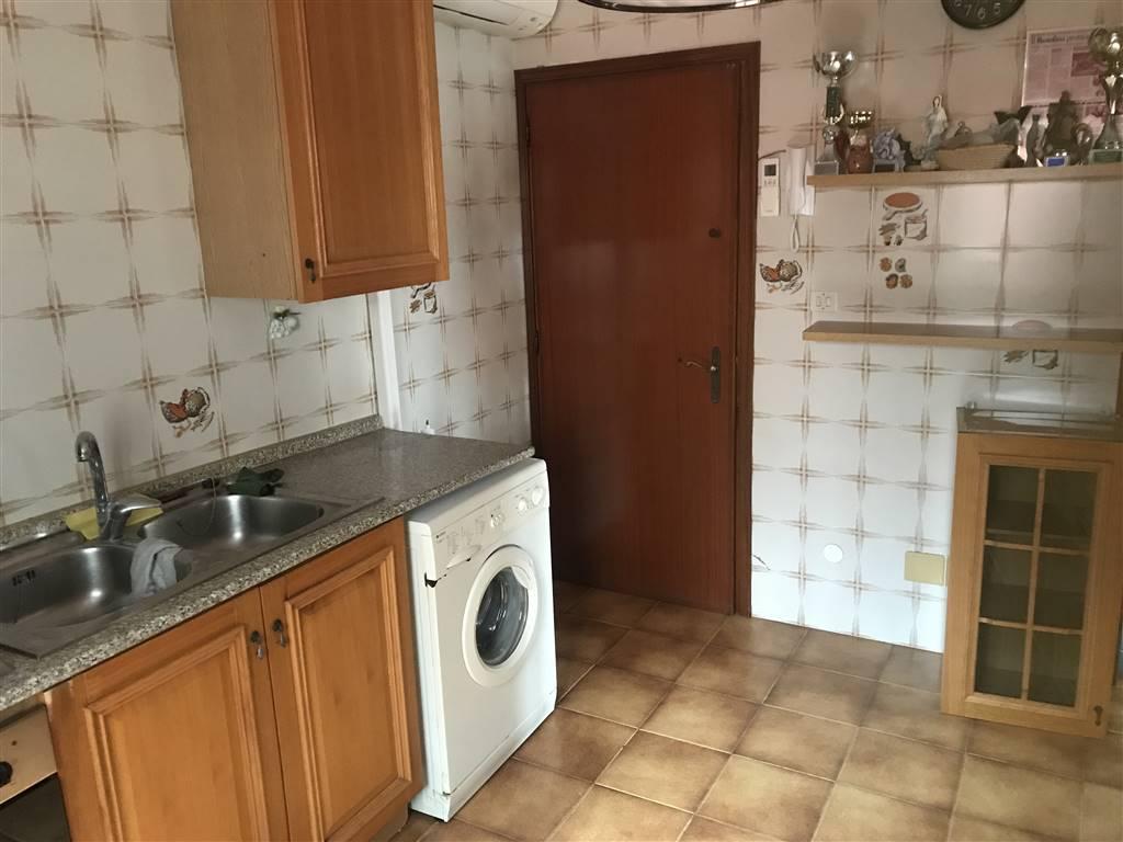 Rif. B126 CHIOGGIA - Vendesi appartamento al piano secondo ed ultimo su palazzina di soli due unità abitative. L'appartamento e composto da