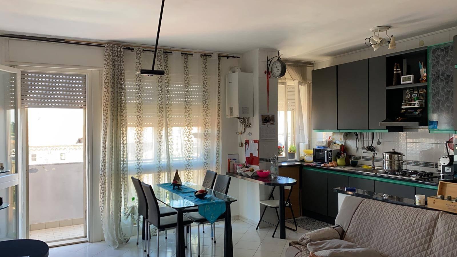 Rif. B210 CHIOGGIA, CAMPO MARCONI: Affittasi ampio appartamento in buone condizioni, completamente ammobiliato. Composto da soggiorno e cucina, bagno,