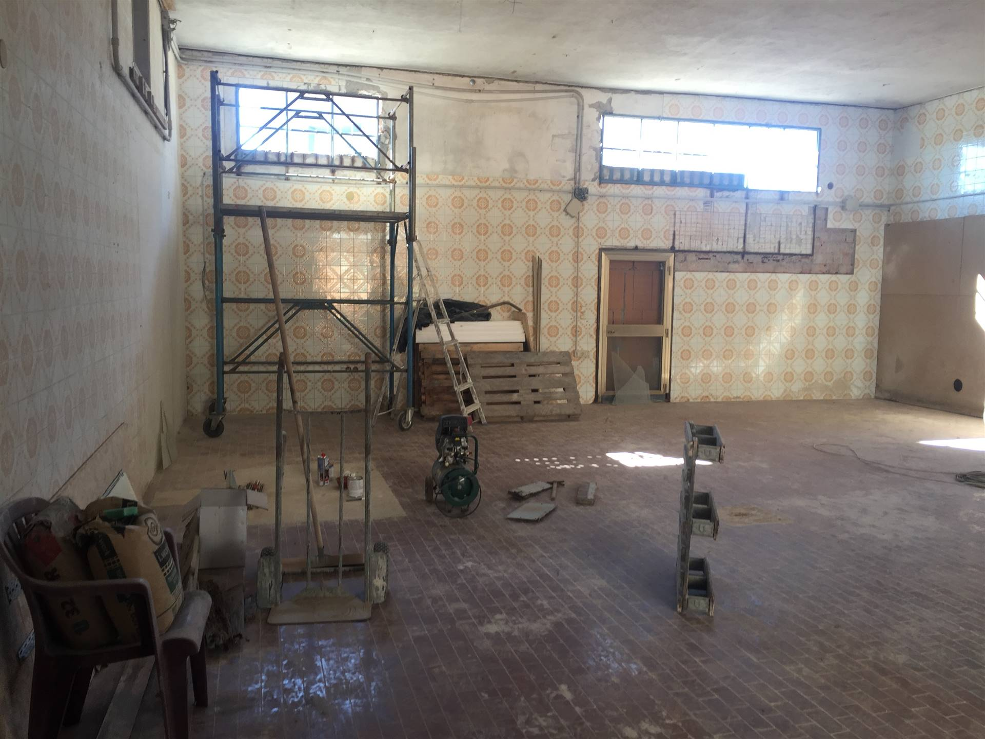 BRONDOLO, CHIOGGIA, Commercialproperty for rent of 110 Sq. mt., Habitable, Energetic class: G, placed at Ground, composed by: 2 Rooms, 1 Bathroom,