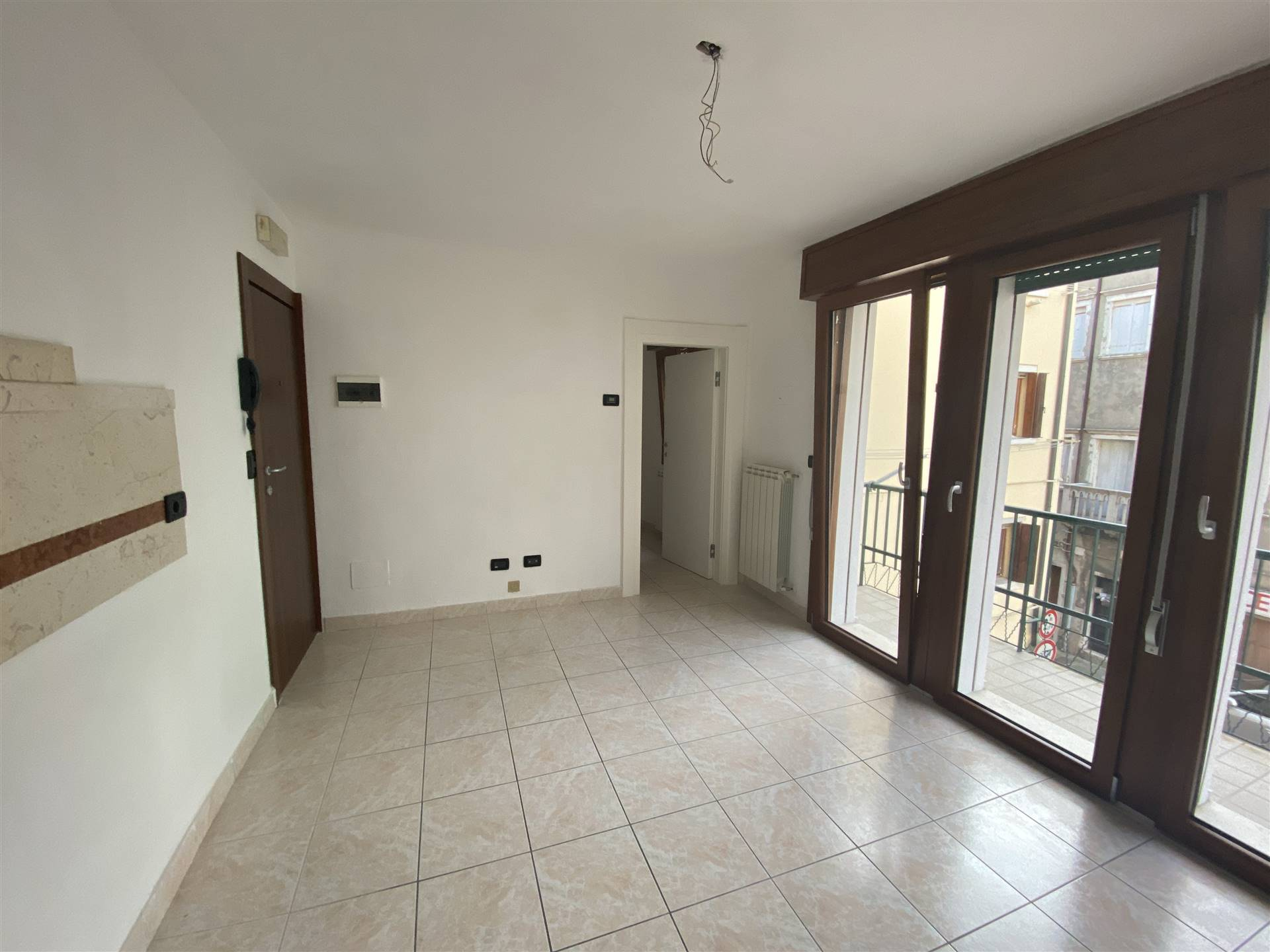 CHIOGGIA CENTRO, CHIOGGIA, Apartment for rent of 50 Sq. mt., Energetic class: G, placed at 2°, composed by: 3 Rooms, Separate kitchen, 2 Bedrooms, 1