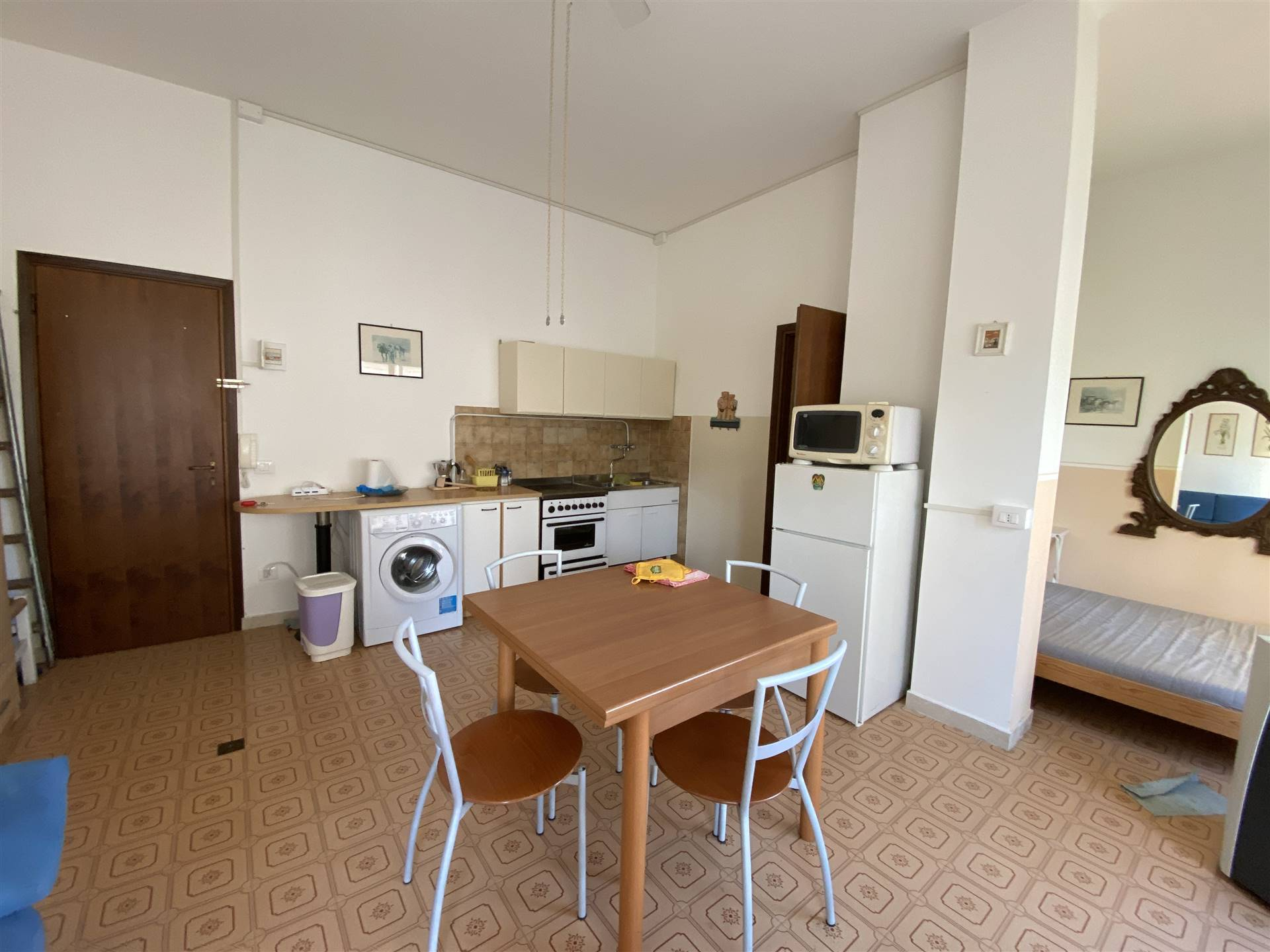 ISOLA VERDE, CHIOGGIA, Apartment for sale of 24 Sq. mt., Habitable, Energetic class: G, placed at 1°, composed by: 1 Room, Show cooking, 1 Bathroom,