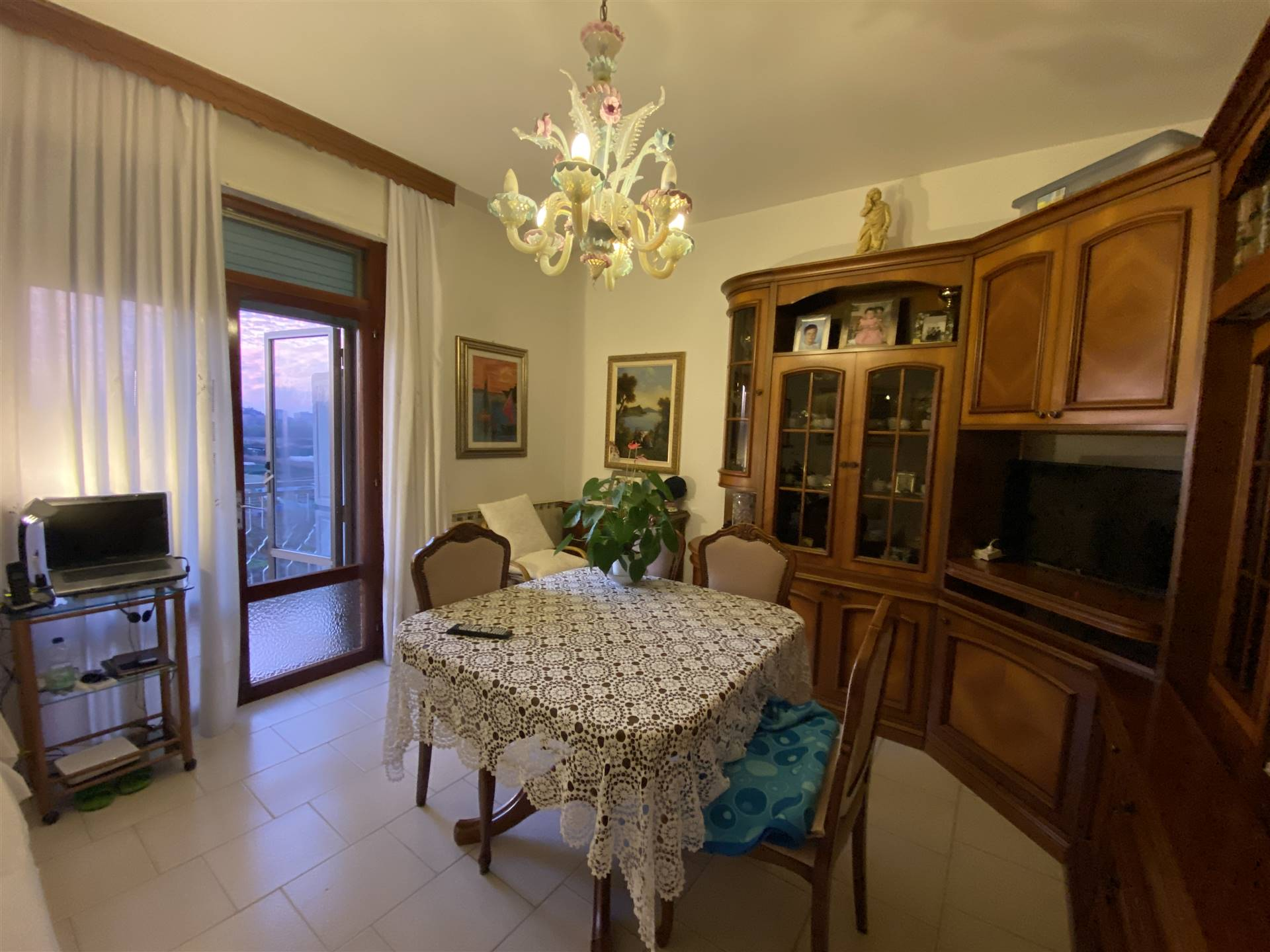 SOTTOMARINA, CHIOGGIA, Apartment for sale of 50 Sq. mt., Habitable, Heating Individual heating system, Energetic class: G, placed at 2°, composed by: