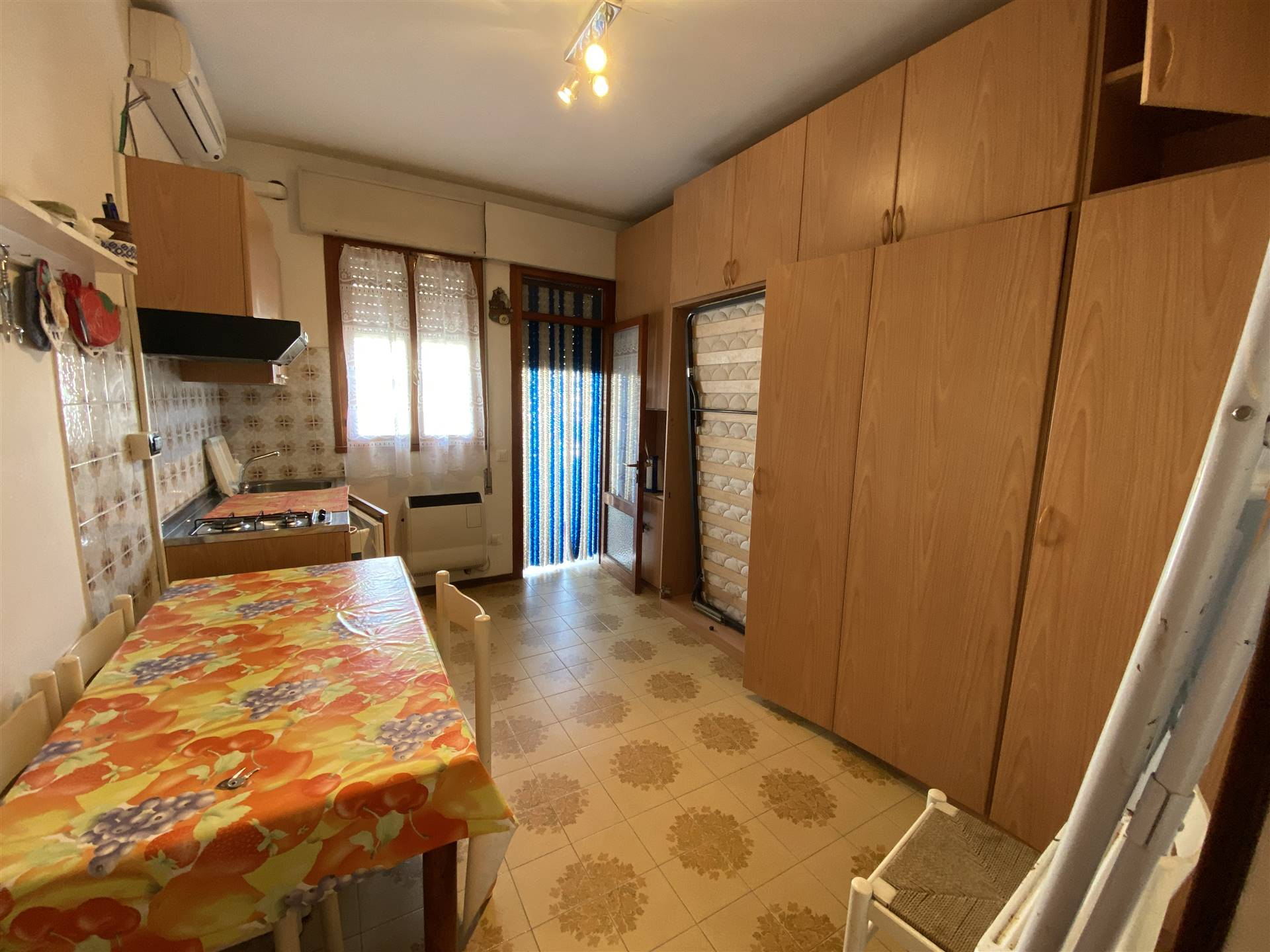 ISOLA VERDE, CHIOGGIA, Apartment for sale of 20 Sq. mt., Habitable, Energetic class: G, placed at 1°, composed by: 2 Rooms, Separate kitchen, 1