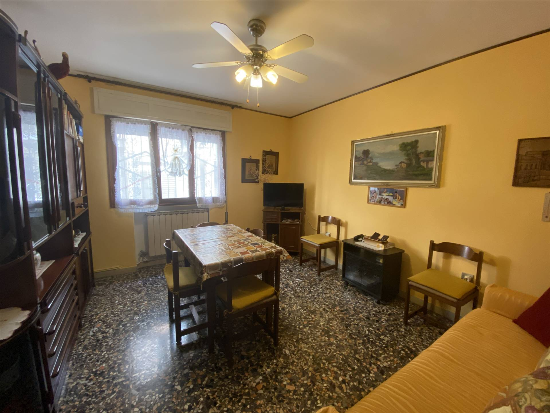 SOTTOMARINA, CHIOGGIA, Apartment for sale of 50 Sq. mt., Habitable, Heating Individual heating system, Energetic class: G, placed at Ground, composed