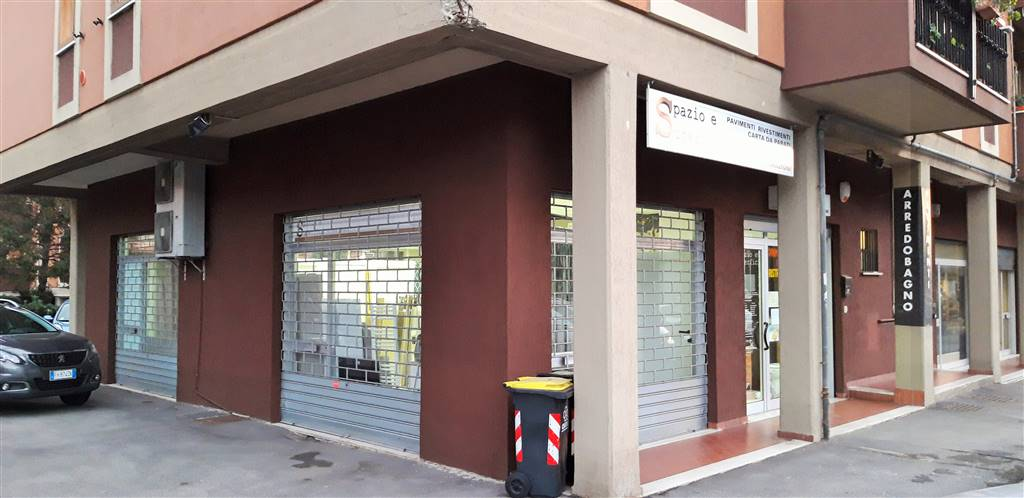 SANTA LUCIA, PRATO, Boutique des location de 85 Mq, Restauré, Chauffage Autonome, Classe Énergétique: G, Epi: 185,2 kwh/m3 l'année, par terre