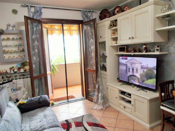 Appartamento in vendita a Prato, 3 locali, zona Zona: Galciana, prezzo € 155.000 | CambioCasa.it