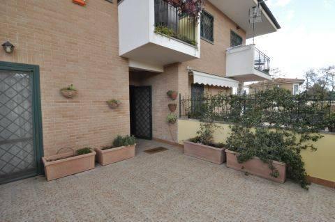 Villa a schiera, San Basilio, Ponte Mammolo, Roma, in ottime condizioni