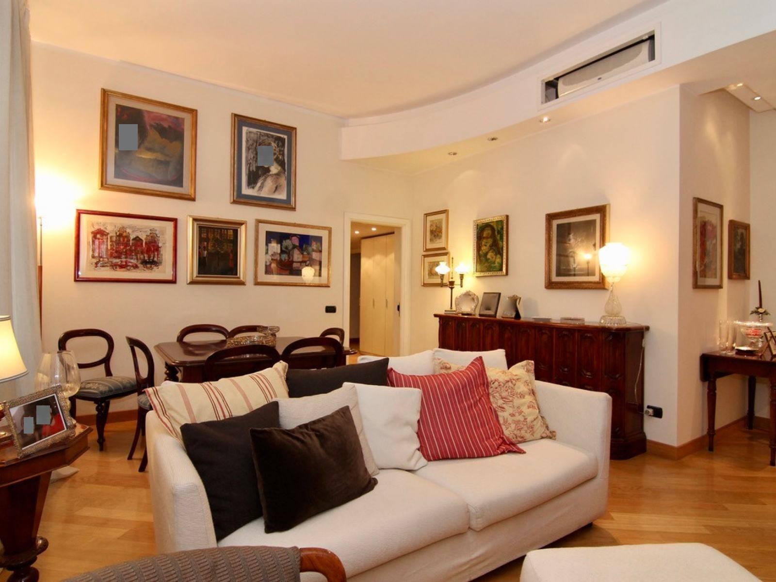 Appartamento a ROMA VIA NEMORENSE