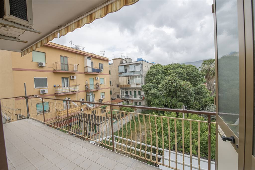 Quadrilocale in Via Giuseppe Malvica 40, Pallavicino, Palermo