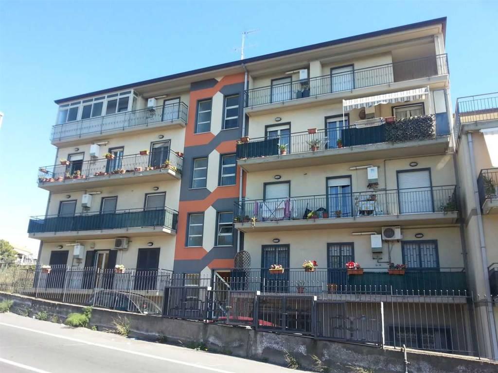 Trilocale, Camporotondo Etneo, in ottime condizioni
